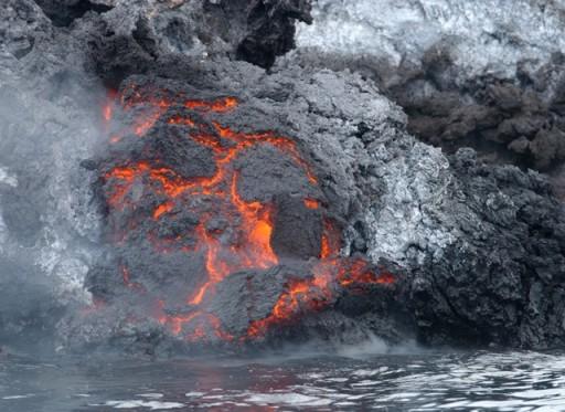 بركان عدن ونيران الحشر  12252182103210jat4