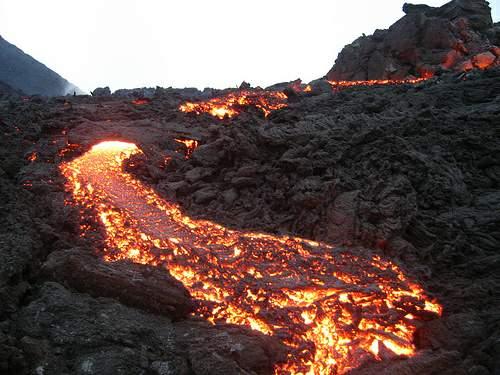بركان عدن ونيران الحشر  12252186272412549444_d84651aa7b
