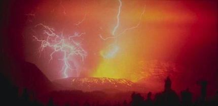 مرور البرق ورجوعه معجزة نبوية