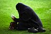 نساء يعتنقن الإسلام