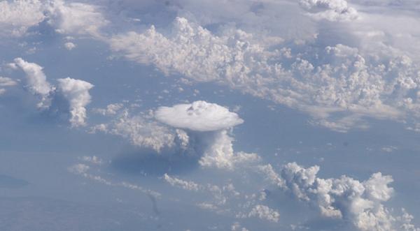 وينزل من السماء من جبال FBp288NNk1pC